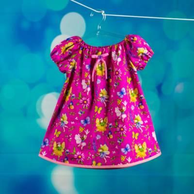 Buntes Kleid für Mädchen