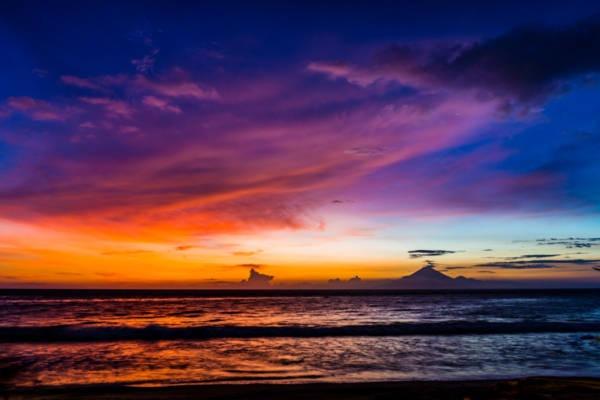 Sonnenuntergang Bali Gunug Agung
