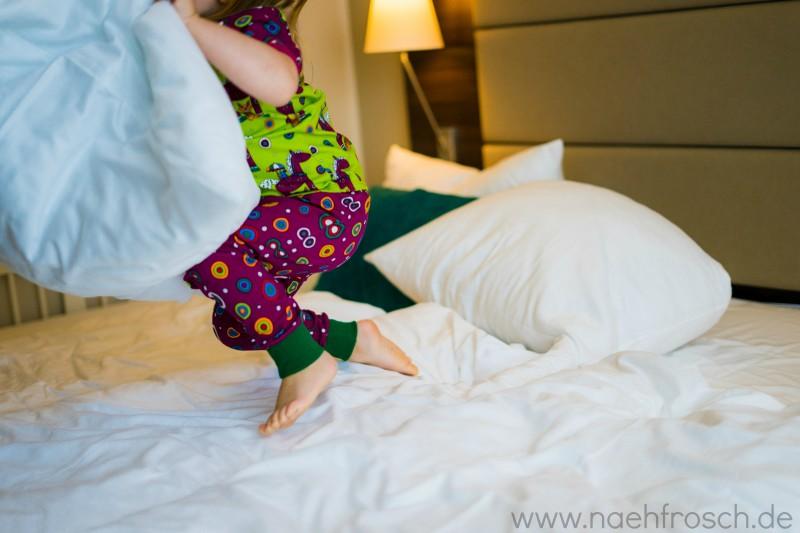Hotel Bomonti Bett Kind