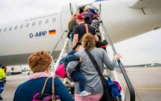 Handgepäck mit Kindern: Das darf mit ins Handgepäck
