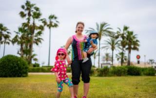 Mit Shalmiak auf Mallorca: Eine ganze Familie in kunterbunt