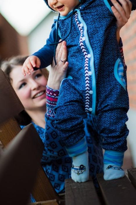 Baby blauer Strampler