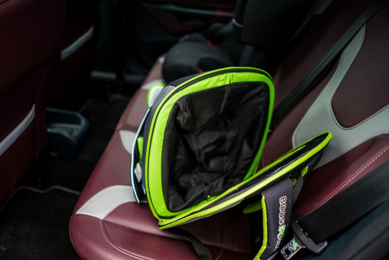 Trunki Auto Kindersitz im Rucksack