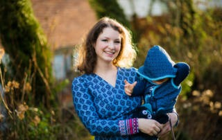 Baby Blau Kleid für Mama und Overall aus der Ottobre für das Baby