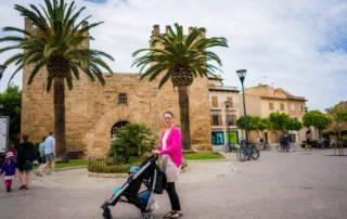 Strand Alcudia und die Altstadt auf Mallorca