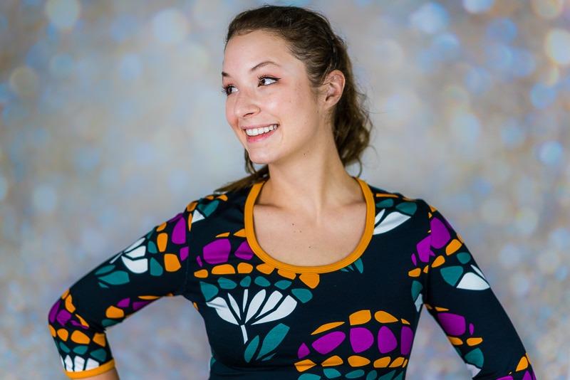 Großes Muster auf schmalem Kleid - Nähfrosch