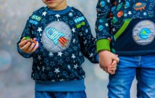 Raglanshirt nähen für Kinder: Raketen-Jersey für Geschwister