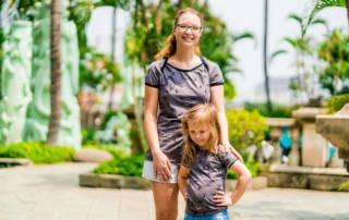 Jersey mit Libellen: Mutter-Tochter-Outfit, das auch noch glitzert
