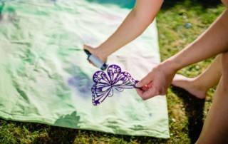 Textilfarbe zum Sprühen im Test: Bettwäsche selber gestalten