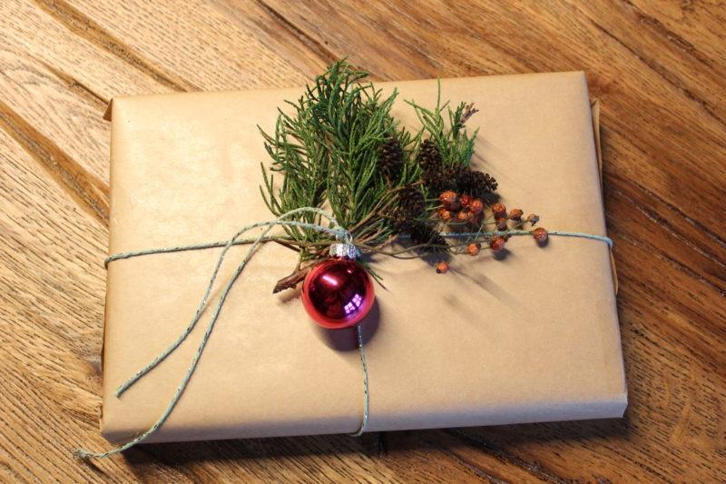 Geschenke verpacken mit Packpapier 11