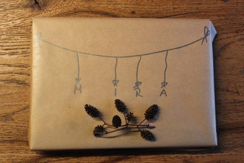 Geschenke verpacken mit Packpapier 12