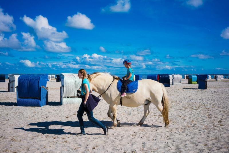 Nordsee Strände Schillig Strand Harlesiel Pony Nordsee mit Kindern 065