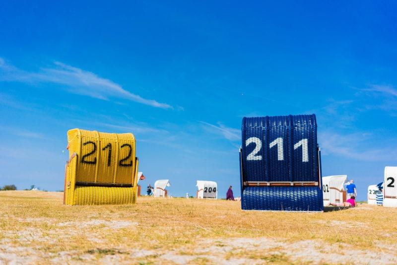 Nordsee Strände: Strandmuscheln am Strand in Schillig