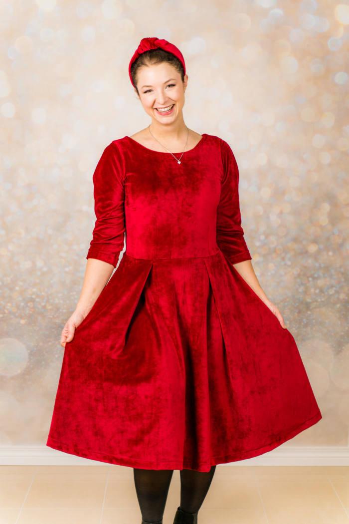 Rotes Samt Kleid naehen 002