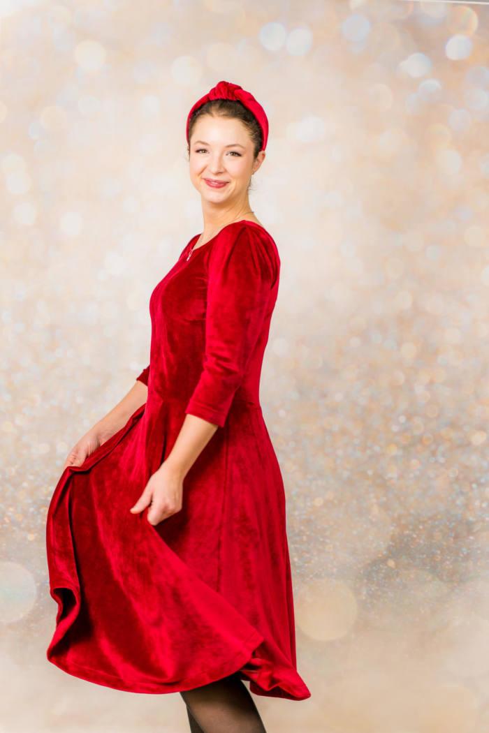 Rotes Samt Kleid naehen 003