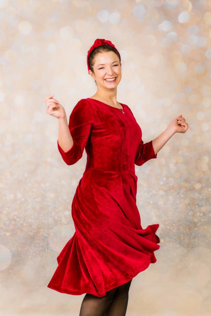Rotes Samt Kleid naehen 004