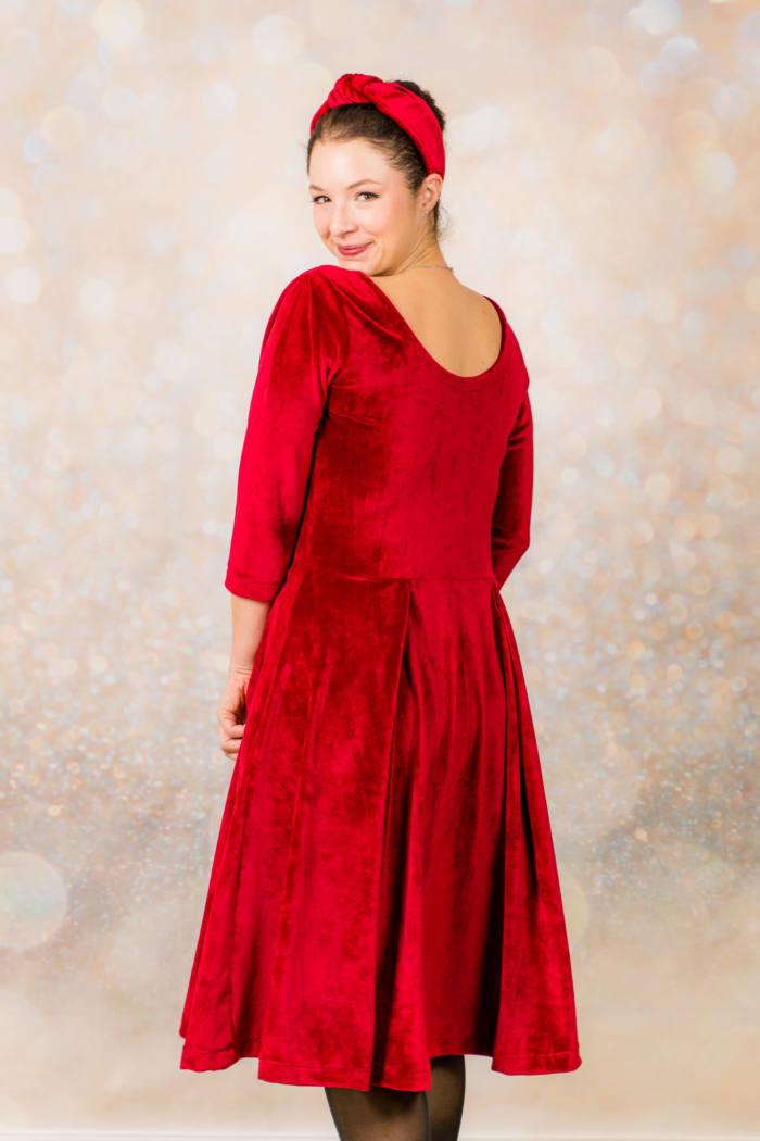 Rotes Samt Kleid naehen 005