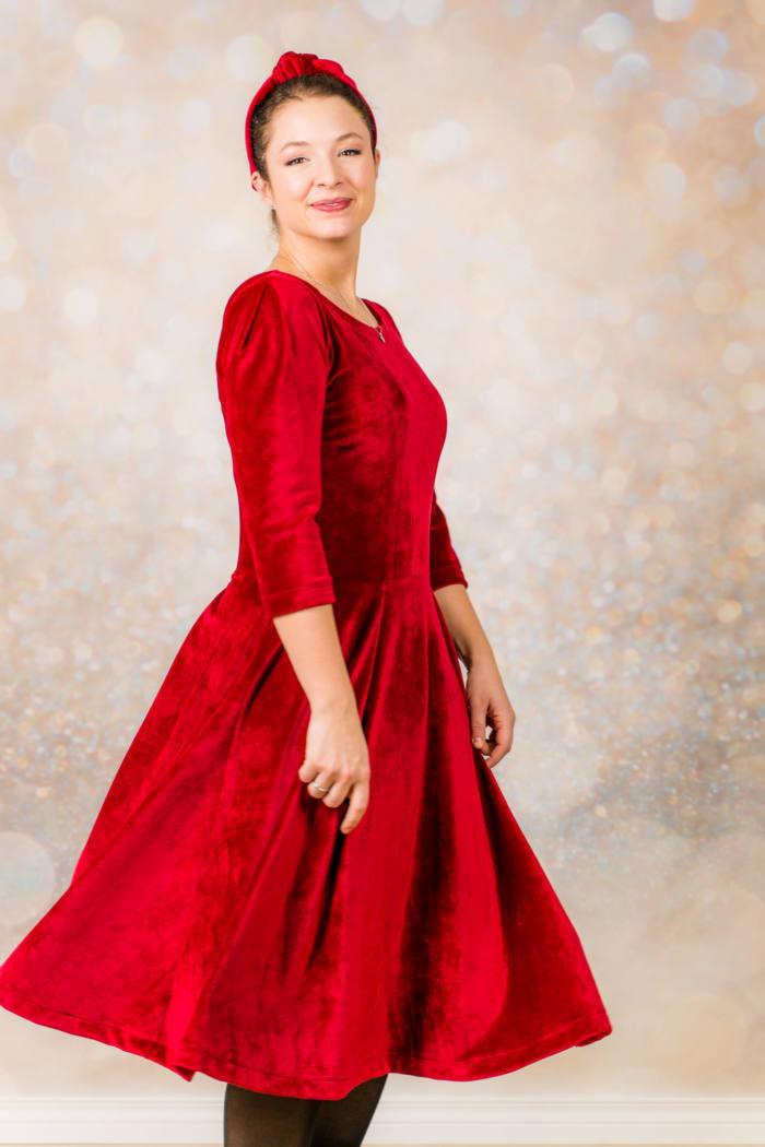 Rotes Samt Kleid naehen 006