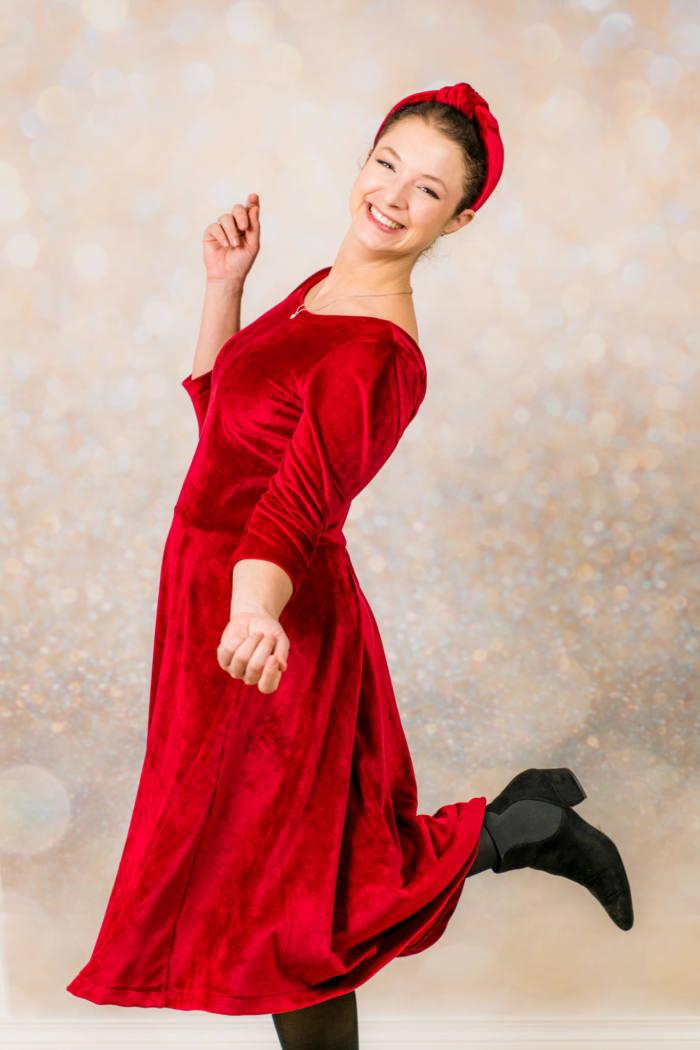 Rotes Samt Kleid naehen 007