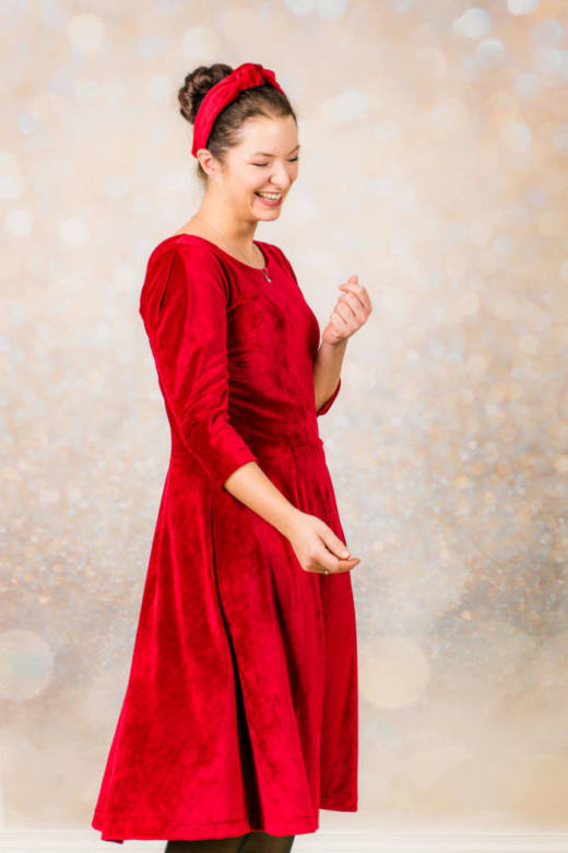 Rotes Samt Kleid naehen 009