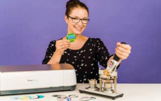 Buttons selber machen - mit Plotter und Buttonmaschine